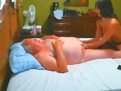 vieux chanceux se fait masser tube porn video