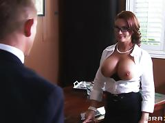 Busty mom Diamond Foxxx seduces Bill Bailey and fucks him in an office tube porn video