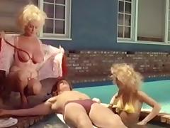 BUNNY BLEU, HELGA SVEN, SUE LION - 1986 tube porn video