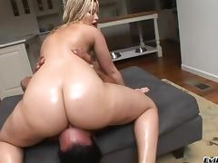 Alexis Texas shows off her deepthroat skills then she mounts up on his dick tube porn video