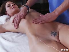 Fit body pornstar Jenni Lee gets a massage with a hardcore ending tube porn video