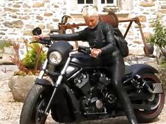Hot leather granny biker tube porn video