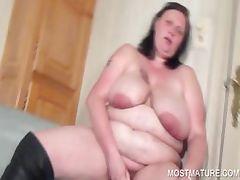 Amateur vibrating mature pussy tube porn video