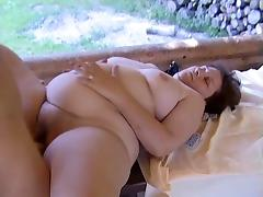 Mature BBW Kim and Monica fucking with guys in a duet tube porn video