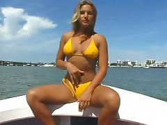 Showing off her pussy on a boat and sucking a cock tube porn video