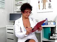 Czech big tits doctor Greta old young wankjob tube porn video