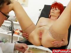 Mature gyno with a expander tube porn video