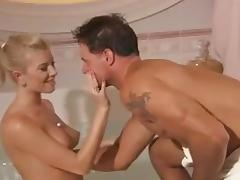 Dona Bell Bath tube porn video