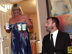 British bbw fingerfucked until squirting tube porn video