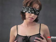 Blindfolded girlfriend in sexy lingerie licked and fucked by her man tube porn video