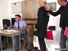 She swallows two cocks for work tube porn video
