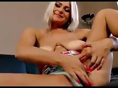 40s Lady Finger herself tube porn video