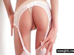 Slim blondie giving blowjob on knees tube porn video