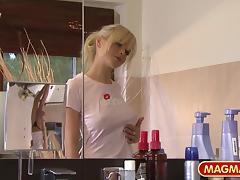 MAGMA FILM German Lesbians taking a bath tube porn video