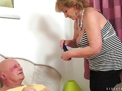 Granny gets her hairy hole fucked and has a senior orgasm tube porn video