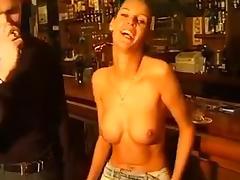 barvrouw wordt geneukt tube porn video