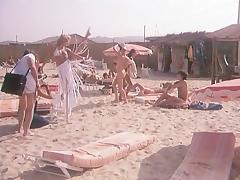 Dans Le Chaleur De St Tropez (1981) tube porn video