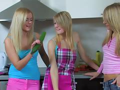 Zucchini fucking lesbian chicks have a threesome tube porn video