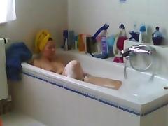 Hot wife caught shaving puss and masturbating in bath room tube porn video