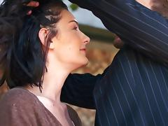Guy puts a blindfold on his girlfriend and bangs her hard tube porn video