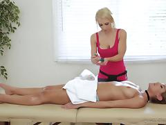 Sensual massage quickly turns into the wild lesbian scissoring tube porn video