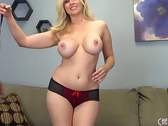 Julia Ann brings all her milf curves to a sexy solo scene tube porn video