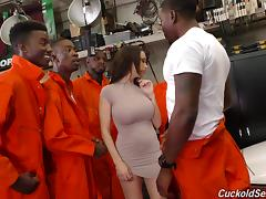 Black inmates and the police officer will give her a good pounding! tube porn video