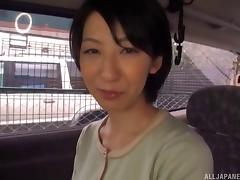 Kinky Japanese model getting attacked with a vibrator on the back seat tube porn video