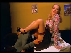 Ondees brulantes (1978) - Brigitte Lahaie - FRENCH VINTAGE tube porn video