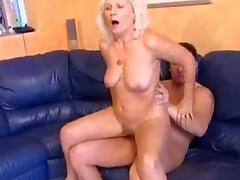 Granny Mamie tube porn video