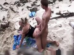 Couple spied fucking in the beach tube porn video
