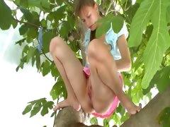 twenty girlfriend peening from the trees tube porn video