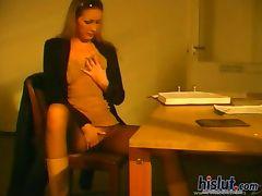 This slut reaches an orgasm tube porn video