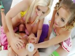 lesbians hardcore bottom toying tube porn video