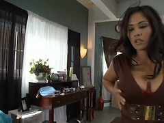 Screaming bitch nejoy in dirty talk tube porn video