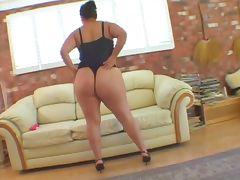 Fat lesbians fucks with dildo tube porn video