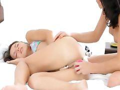 darkhair wow lesbians eating pussies tube porn video