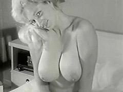 Smiley Naked Cunt Posing in Her Bedroom 1950 tube porn video