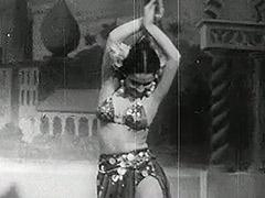 Petite Girl Having Fun on the Stage 1940 tube porn video