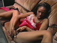 Hairy ebony slut masturbating tube porn video