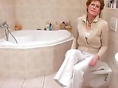 Glassed Granny With Saggy Tits Shaves Her Wrinkled Old Pussy tube porn video