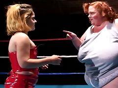 Kinky wrestling midgets' lesbo mania tube porn video