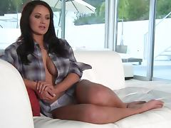 Sexy cutie Kendall Rayanne has a hot photosession and an interview tube porn video