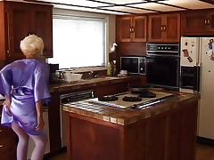 Mature kitchen double penetration tube porn video