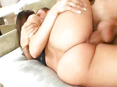 Big round ass tube porn video