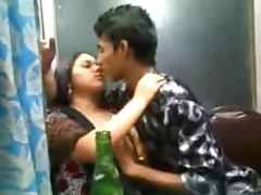 Indian couple are drunk and they love kissing tube porn video