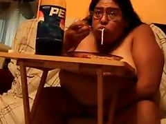 FAT PIG ALMA SMEGO STUFFING HER FAT FACE tube porn video