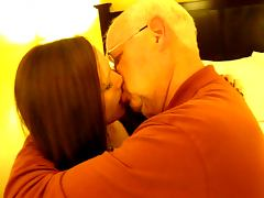 Hot Woman kissing a 82 year old man tube porn video