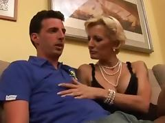 Italian Mom and NOT her Son tube porn video