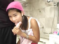 Thai Fuck toy Zoe eighteen gentle sucky sucky tube porn video